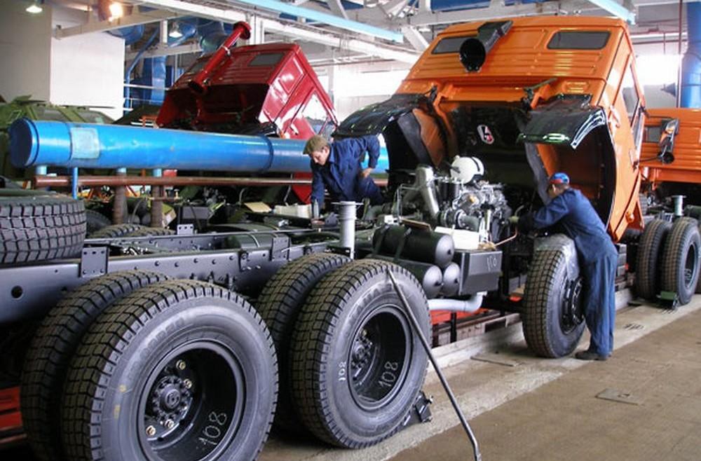 Ремонт и обслуживание отечественных грузовых автомобилей, ремонт спецтехники